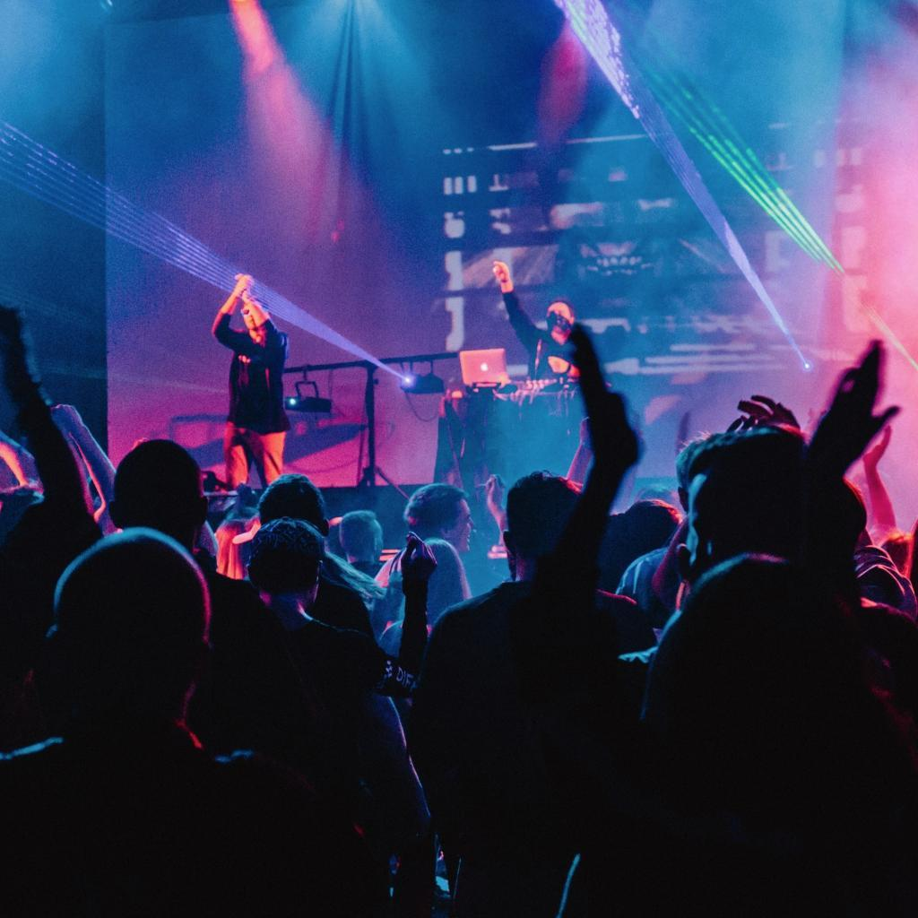 NEON LIVE Dj plus Liveband Corporate Events & Firmenfeiern